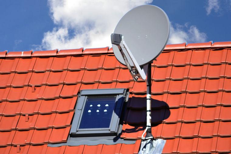 Satelliten-Antenne Singer Mering